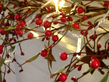 Luxury 5ft Red Berry Rustic Star & Leaf Christmas Garland Table Decoration Lit *